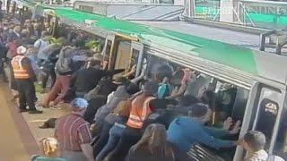 Bahnunfall: Passagiere kippen Zug und befreien Mann