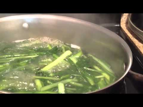 How to clean and cook dandelion greens