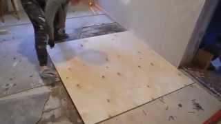 Как мы выровняли деревянные полы  экспериментальный метод(Мы придумали новый метод решения проблемы кривых деревянных полов с перепадом до 3-х см. С помощью лазерного..., 2014-10-29T08:34:24.000Z)