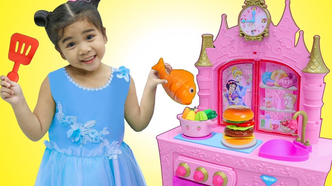 Suri Pretend Play W Yummy Food Toys For Princess Kitchen