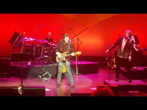 Jon Anderson, Trevor Rabin, and Rick Wakeman (ARW)- Hold On (Live Buffalo: November 2nd, 2016)