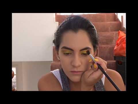 Yellow Eyeshadow Blending