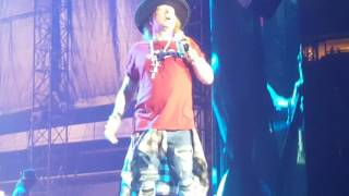 guns and roses gnr don t cry live not in this lifetime houston tx front pit encore