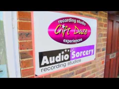 Tom Baker introduces Gift Daze Recording Experience Gifts