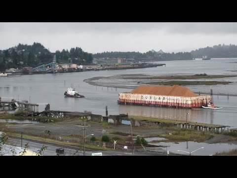 Time Lapse ~ Coos Bay Oregon ~ Harbor / Dock ~ Cargo Ship Departing Port