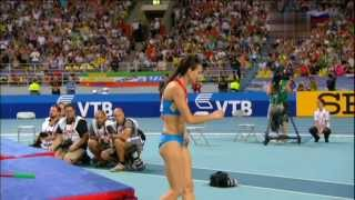 Isinbayeva delights home crowd with Gold ! Moscow 2013 World Championships