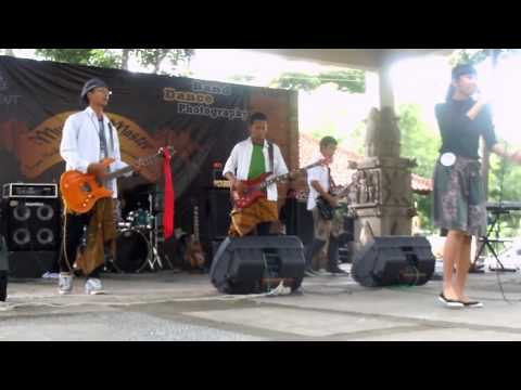 Vierra - My First Love - Jadi Yang Kuinginkan by D'Noman Band