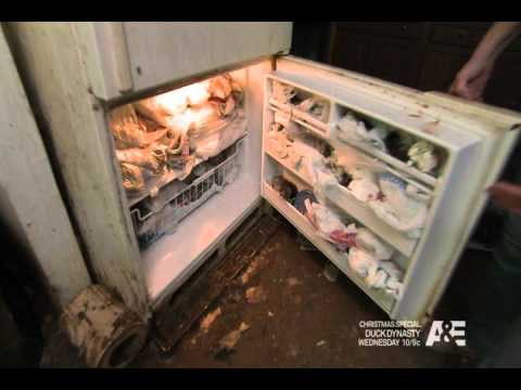 Opie and Anthony - Dead Cat Hoarder (12/05/2012)