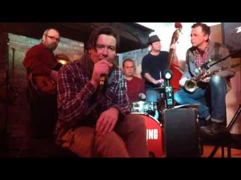 'No Diggity' vs. 'Jeeves & Wooster' - The Swinging Little Big Band