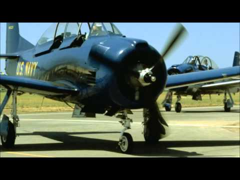 SlideShow - WWII Planes - With Relaxing Jazz Music
