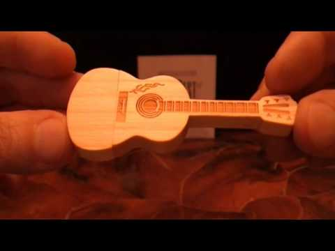 Wood Guitar Style 16GB USB 2.0 Flash Drive Memory (Gearbest)