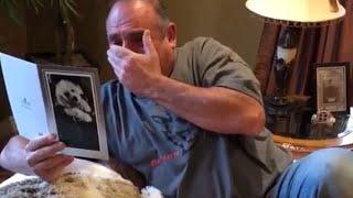 Aveva appena perso i suoi cagnolini quando apre il suo regalo di compleanno e si commuove