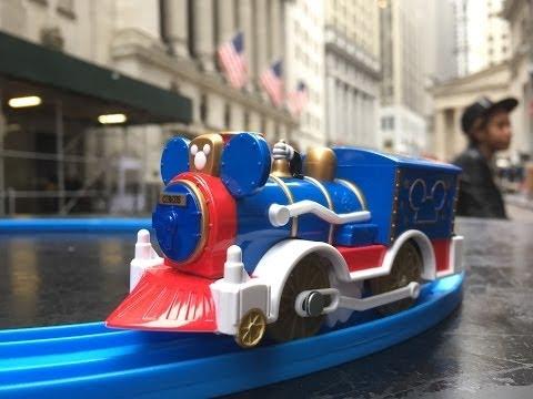 Mickey Mouse Circus Locomotive visit Wall Street NYSE, New York【Takara TOMY Plarail】02095 en