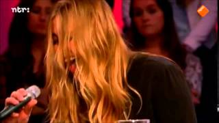 "Anouk - Looking For Love (from ""Paradise And Back Again"") [Live @ College Tour]"