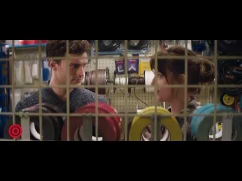 A szürke ötven árnyalata - filmklip: Christian meglepi Ana-t a boltban