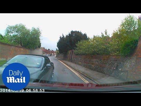 Shocking dashcam catches £160k Bentley crash - Daily Mail