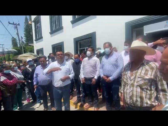El acalde de Tezontepec de Aldama se reunió con vecinos de  la localidad de Mangas y La Cruz