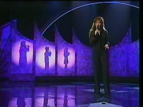 Reba , Linda Davis, Martina & Trisha - On My Own (LIVE '95)