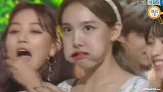 TWICE Try not to laugh 挑戰不准笑! 17