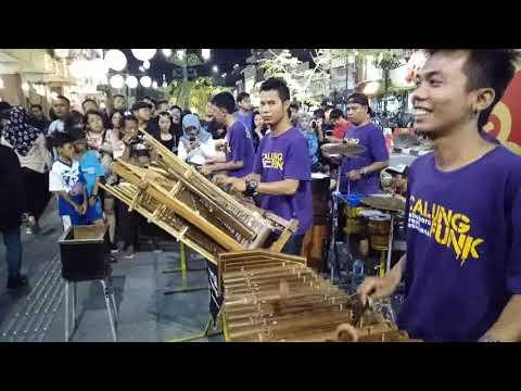 BOJOKU GALAK -- suara stereo & gambar hd -- musisi jalanan calung funk -- malioboro yogya