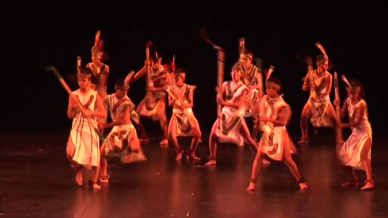 "Aurora Huertas ""Danza étnica"""