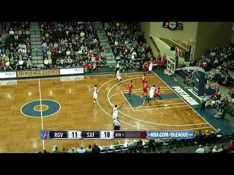 Larry Drew posts 16 points & 23 assists vs. the Vipers, 12/25/2014