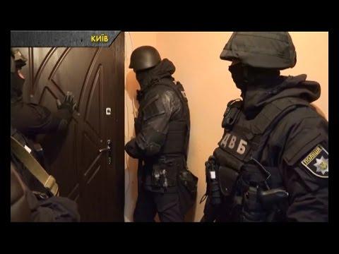 Затримано столичних поліцейських,