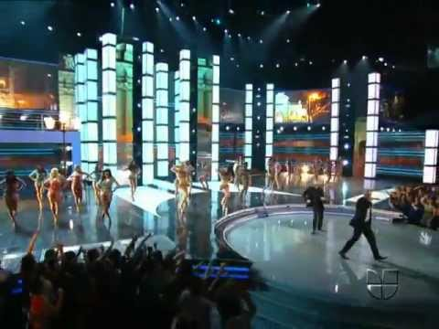 Juan Magan Ft. Pitbull And El Cata – Bailando Por El Mundo Live