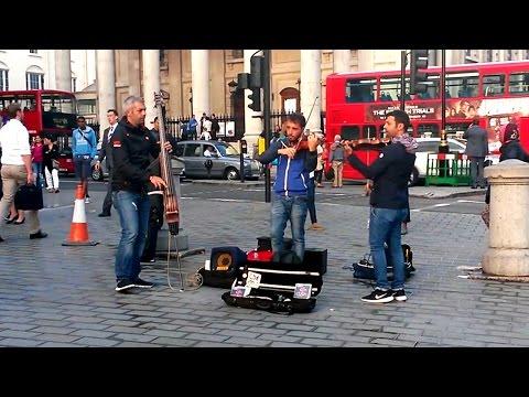 London - street artists - Trafalgar Square #2