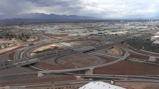 【機窓】砂漠から街へ ラスベガス/マッカラン国際空港着陸 Landing at McCarran International Airport.