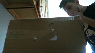 MYSTERIOUS PACKAGE SHOWED UP AT MY DOOR?!