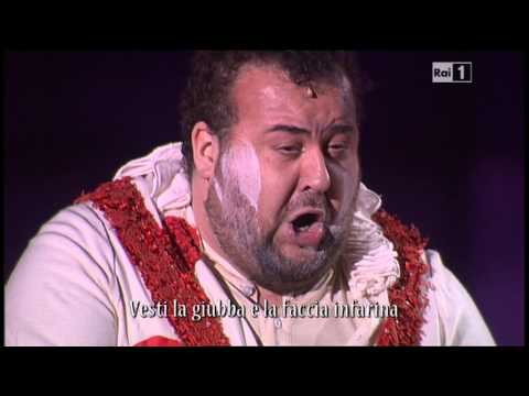 Recitar  ... Vesti la giubba 11 06 2013 Arena di Verona 2013 Lo spettacolo sta per iniziare