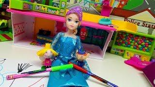 Principessa dei GHIACCI disegna fantastico pupazzo di neve con Ben e Holly 😍 ❄️ ☃️