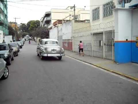 Dodge Kingsway 1950 arrancando e partindo