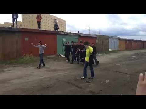 Rosyjski Hooligans walczyć. Loko Rosyjski vs Legion Mongolian