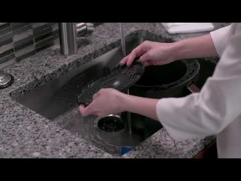 How to Clean Your Ninja® Air Fryer Max XL (AF160 Series)