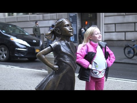 A statue of a defiant girl now faces the Wall Street bull