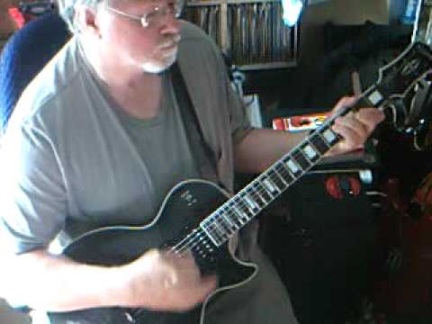 Mighty God, Gracious King, Strong Deliverer - Guitar chords - plus short single notes INTRO