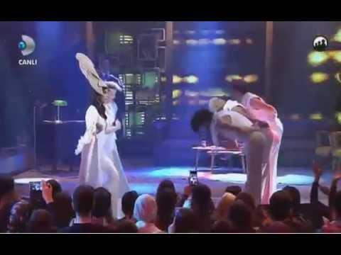 Hande Yener - Sebastian Beyaz Show