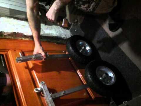 Установка транцевых колес на лодку ПВХ - YouTube