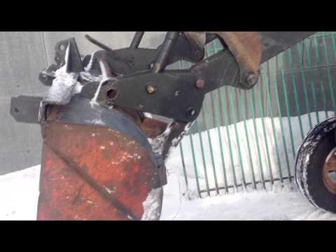Трактор т-25 чистим снег! (застряли) - YouTube