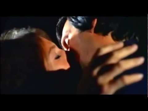 Jacqueline Bisset & Alan Alda - The Mephisto Waltz - Kiss