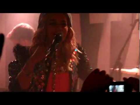 [HD] Rita Ora - Uneasy (Live at Manchester Sound Control 29/08/12)