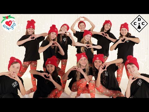 9 Best Christmas Dance Songs with Easy Choreography Moves | Christmas Dance Crew