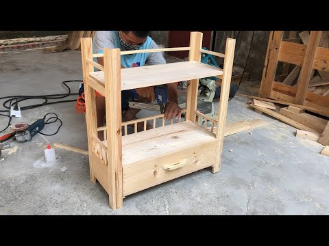 woodworking-ideas-from-old-pallet-wood-//-how-to-diy-shelves-for-wife's-bags