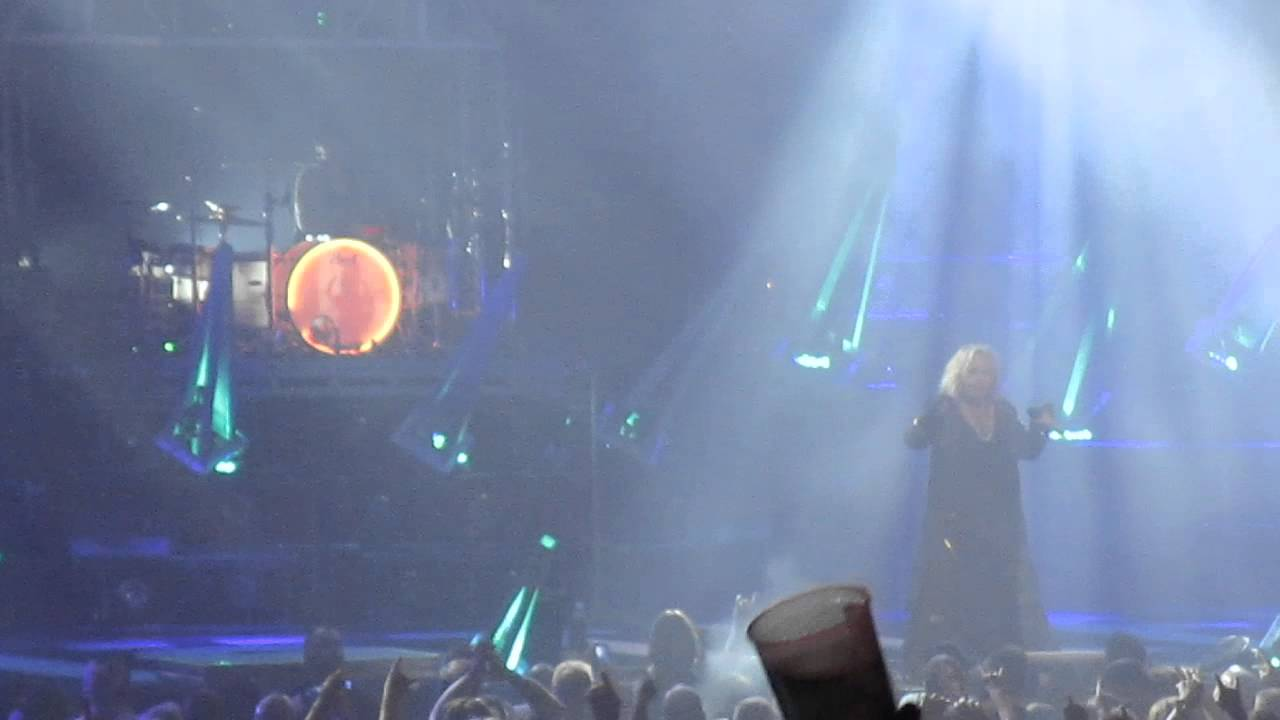 Motley Crue - LIVE WIRE (Live St. Paul, MN 2015) - YouTube