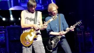 BOSTON (FRONT ROW) -TOM SCHOLZ GUITAR SOLO 40TH ANIV TOUR GRAND PRAIRIE, TX 2016