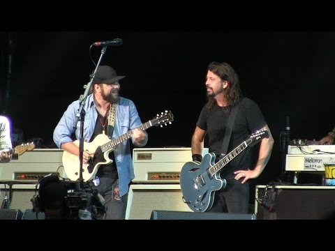 "Foo Fighters @ Hangout Fest- ""Stay With Me"" (Faces Cover) w/ Zac Brown Band  Live on May 15, 2015"
