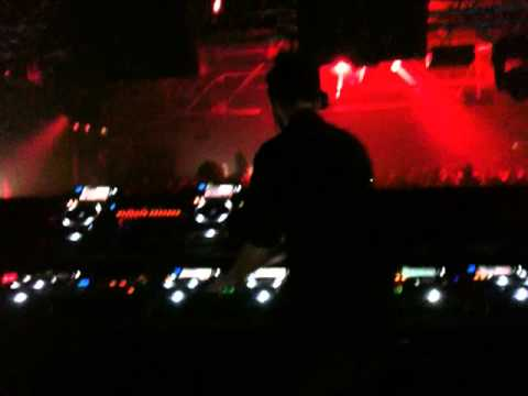 Calvin Harris @ Cream 19th Birthday Liverpool 8 Oct 2011
