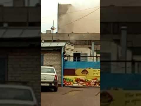 Рухнул стена здания в Балаково